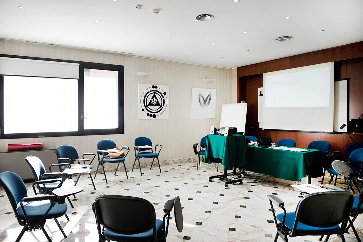 Dimensioni Sala Conferenze 100 Posti.Sale Riunioni E Meeting Abacus Hotel 4 Stelle Sesto San Giovanni